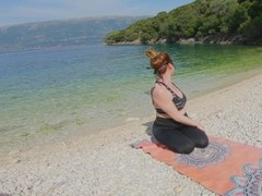 Ginger Sea Beach Yoga Pants Excercise Turns into Reverse Cowgirl Creampie Thumb